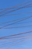 Cuerdas a través del cielo imágenes de archivo libres de regalías
