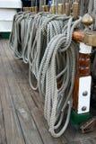 Cuerdas y líneas en la nave alta Imágenes de archivo libres de regalías