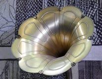 Cuerno grande del gramófono pasado de moda Foto de archivo