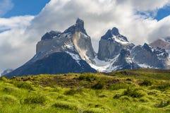 Cuernos del Paine bergmaxima, Patagonia, Chile royaltyfri bild