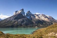 Cuernos del Paine en el parque nacional de Torres del Paine Fotos de archivo libres de regalías