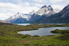 Cuernos del Paine (Horns av Paine) fotografering för bildbyråer