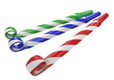 Cuernos rojos, azules, y verdes rayados del partido del noisemaker Foto de archivo