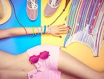 Cuerpo atractivo de la mujer joven Ropa de moda elegante determinada Imágenes de archivo libres de regalías