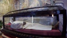 Cuerpo de Alberto Besotti en el monasterio de Santa Caterina metrajes