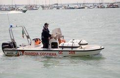 Cuerpo del guardacostas portuario de los Captaincies Fotos de archivo