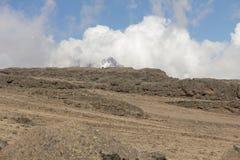 Cuesta abajo de la cumbre de Kilimanjaro Imágenes de archivo libres de regalías