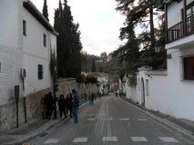 Cuesta de Chapiz街道Albayzin -格拉纳达西班牙 免版税库存图片