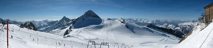 Cuesta del esquí de Hintertux Foto de archivo