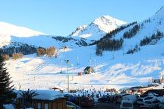 Cuesta del esquí en Sestriere, Turín, Piamonte, Italia Imagenes de archivo