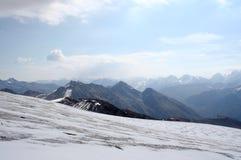 Cuesta del hielo del monte Elbrus Foto de archivo libre de regalías
