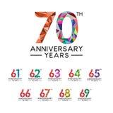 cuesta llena moderna del 61o a 70.o del aniversario triángulo abstracto de los años libre illustration