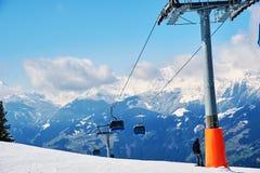 Cuestas del centro turístico de esquí Foto de archivo libre de regalías