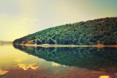 Cuestas pintorescas del río Dnister Fotos de archivo libres de regalías