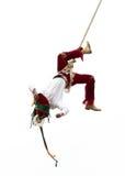 CUETZALAN, MEXIKO - 2012: Ein Mitglied der Akrobaten, die als ` los-voladores ` bekannt sind, führt im Cuetzalan-zocalo durch Stockbilder