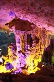 Cueva cantada descubrimiento del borrachín - cueva de la estalactita en la ha Viet Nam larga imagen de archivo libre de regalías