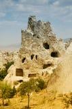 Cueva-ciudad antigua cerca de Goreme, Cappadocia, Turquía Foto de archivo libre de regalías
