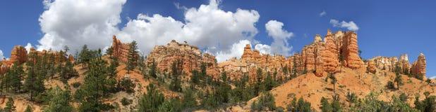 Cueva cubierta de musgo Bryce Canyon National Park Imágenes de archivo libres de regalías