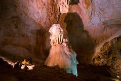 Cueva de Emine-bair-hosar (mamut), Crimea, Reino Unido Foto de archivo libre de regalías