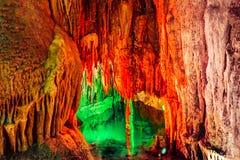 Cueva de Furong en el parque nacional de la geología del karst de Wulong, China Fotografía de archivo libre de regalías