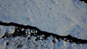 Cueva de hielo de Islandia almacen de video