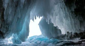 Cueva de hielo en el lago Baikal Imágenes de archivo libres de regalías