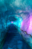 Cueva de hielo en Mer De Glacer Glaciar-Chamonix, Francia Imagenes de archivo