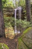 Cueva de la ceniza en las colinas Ohio de Hocking Fotografía de archivo