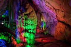 Cueva de las estalactitas, China Foto de archivo