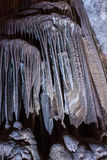 Cueva de las estalagmitas de las estalactitas Foto de archivo libre de regalías