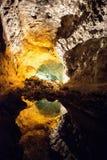 Cueva de los verdes, grotta lanzarote med reflexion i vattnet Royaltyfria Foton