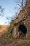 Cueva del agujero de la paloma, Dovedale, parque nacional del distrito máximo Imagenes de archivo