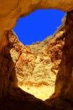 Cueva del mar - Algarve Fotos de archivo libres de regalías