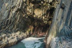 Cueva del mar de Irlanda imágenes de archivo libres de regalías