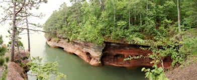 Cueva del mar en el lago Superior Imagen de archivo libre de regalías