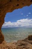 Cueva del océano imagen de archivo libre de regalías