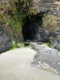 Cueva en el estado Viewpo escénico del faro de la cabeza de Heceta Imágenes de archivo libres de regalías