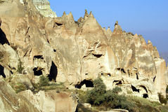 Cueva en roca en Zelve Fotos de archivo libres de regalías