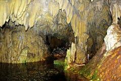 Cueva interior imagenes de archivo