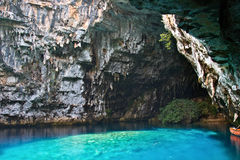 Cueva limnética de Melissani en Kefalonia Fotografía de archivo libre de regalías