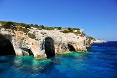 Cuevas azules en la isla de Zakynthos, Grecia Fotos de archivo