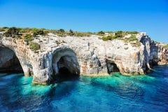 Cuevas azules en la isla de Zakynthos, Grecia Fotografía de archivo