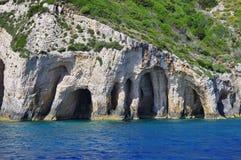 Cuevas azules en Zakynthos, Grecia Imagen de archivo libre de regalías