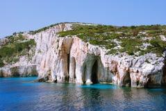 Cuevas azules, rocas en la isla de Zakynthos Fotografía de archivo