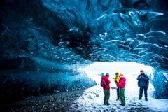 Cuevas de hielo cristalinas Islandia Imagenes de archivo