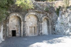 Cuevas de las tumbas en Beit Shearim, Israel septentrional imagen de archivo libre de regalías