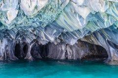Cuevas de mármol de general Carrera (Chile) del lago imagenes de archivo