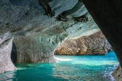 Cuevas de mármol de general Carrera (Chile) del lago imagen de archivo