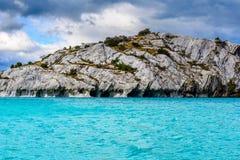 Cuevas de mármol de general Carrera (Chile) del lago fotos de archivo