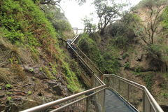 Cuevas notables en montaña tropical Fotos de archivo libres de regalías